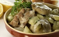 Lamb with onions and artichokes (Arnaki me anginares) - iCookGreek Lamb Dishes, Tasty Dishes, Kitchen Recipes, Cooking Recipes, Eat Greek, Greek Cooking, Mediterranean Diet Recipes, World Recipes, Greek Recipes