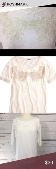 J.Crew Floral Appliqué T-Shirt J.Crew Floral Appliqué T-Shirt in Ivory/white same color Floral embroidery with a slightly loose fit for comfort. In good used condition. Materials: 60% cotton 40% modal J. Crew Tops Tees - Short Sleeve