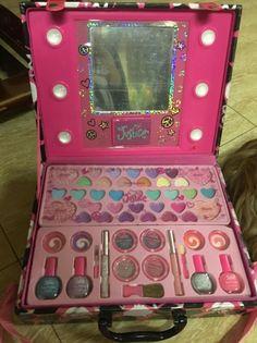 - {justice makeup set – Style Guru: Fashion, Glitz, Glamour … justice makeup set – script t - Little Girl Makeup Kit, Makeup Kit For Kids, Little Girl Toys, Kids Makeup, Makeup Box, Cute Makeup, Toys For Girls, Makeup Sets, Girls Makeup Set