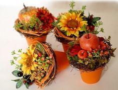rudens dekors (14) Autumn Decorating, Fall Decor, Fall Flower Arrangements, Autumn Crafts, Thanksgiving Table, Fall Flowers, Fall Wreaths, Diy And Crafts, Centerpieces