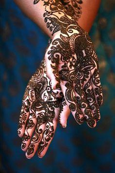 Best Black Mehandi Designs for Hands