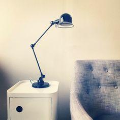 lampe industrielle jielde 3 bras copyright antiquites industrielles. Black Bedroom Furniture Sets. Home Design Ideas