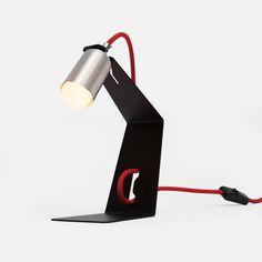 Golfe de mesa #designbrasileiro #feitonobrasil #designbrasil #mobiliariobrasileiro #decoração #arquitetura #casa #braziliandesign #furniture #homedecor #interiordesign #decor #archtherapy #architecture #boobam #luminária #lighting #lightdesign #lamp