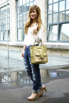 BOYFRIEND JEANS, yes, but without the rippage