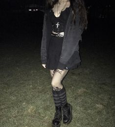 Swaggy Outfits, Edgy Outfits, Grunge Outfits, Cool Outfits, Fashion Outfits, Estilo Punk Rock, Estilo Grunge, Wattpad, Cute Skirts