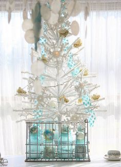 aqua for Christmas! I already have mason jars, and locker baskets to recreate this for myself!