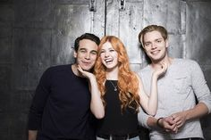 #Shadowhunters I love how Simon and Clary are enjoying themselves and Jace is just standing there all like hey guys.