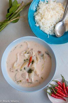 Tom Kha Gai Recipe (วิธีทำ ต้มข่าไก่) - Authentic Thai Style (no fish sauce) Thai Recipes, Asian Recipes, Tom Kha Gai Recipe, Sopas Low Carb, Thai Soup, Thai Dishes, Thai Style, Asian Style, Cooking Instructions
