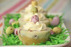Maak van een #citroen #kwarktaart schattige #pasen #taartjes. Pudding, Cupcakes, Desserts, Recipes, Dutch, Jet, Food, Flan, Postres