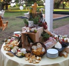 Wedding food display ideas appetizers table for 2019 Appetizers Table, Wedding Appetizers, Cheese Appetizers, Wein Parties, Cheese Table, Cheese Trays, Cheese Fruit, Cheese Bread, Plateau Charcuterie