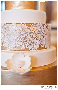 Binita Patel | Alden Castle Showcase #AldenCastle #ModernVintage #WeddingCake #Wedding