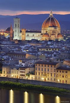 La noche respira calma en #Florencia - http://www.florencia.travel/ #viajar #turismo #guia