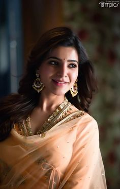 Photos, Stills, Posters and Images of movie Samantha Akkineni - WoodsDeck Samantha In Saree, Samantha Ruth, Beautiful Girl Indian, Most Beautiful Indian Actress, Beautiful Bollywood Actress, Beautiful Actresses, Hot Actresses, Indian Actresses, Samantha Images