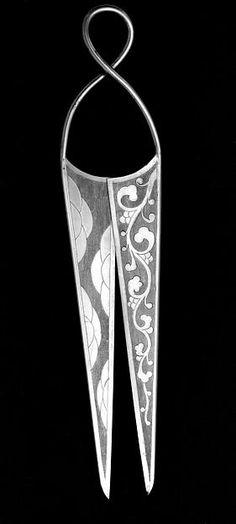 Scissors MET Museum Period: Tang dynasty (618–907) Culture: China Medium: Beaten silver