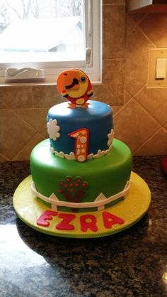 Made by Pamela Gonzalez, if you need a specialty cake call me at 609-226-3423, thanks. :).