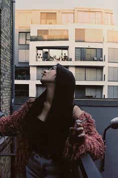 Korean Eye Makeup, The Soloist, Smoke Photography, Girl Artist, Evolution Of Fashion, Uzzlang Girl, Fashion Photography Inspiration, Kpop Girl Groups, Aesthetic Girl