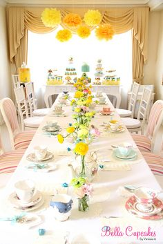 yellow and aqua with a little pink thrown in for good measure. my fave color combo.