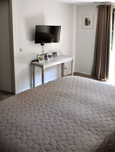 1000 images about interieur slaapkamers bedrooms on pinterest fotografie interieur and utrecht - Fluwelen hoofdeinde taupe ...