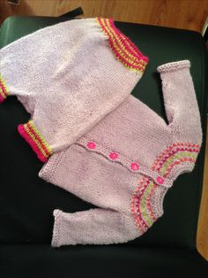 Strikket i mini alpakka. Baby set from Sandnes Yarn. Knitted with alpaca Baby Set, Mini, Fashion, Threading, Moda, La Mode, Fasion, Fashion Models, Trendy Fashion