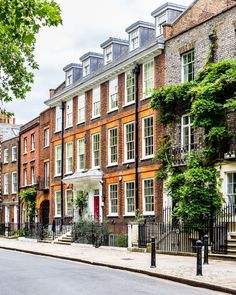 A beautiful row of historic houses on Richmond Green in London's Richmond.    #houses #richmond #london