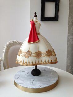 Edible Art, Dress. Zoe Clark Cakes