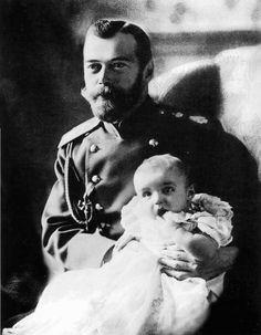 Tsar Nikolai II with Tsarevich Alexei, 1904.