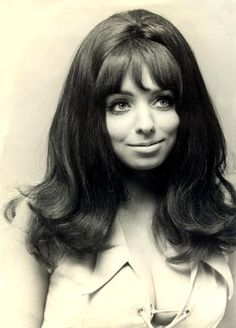 Mariska Veres was a true 70's icon. I absolutely love her and her style.