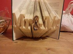 Book folding pattern for Mr&Mrs Love by BookFoldingForever