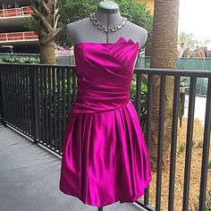 """Jessica McClintock Fuscia Bubble Skirt Dress Gorgeous Jessica McClintock Fuscia Bubble Skirt Dress. Vey elegant and flattering. No size tag but measures as 0 / 2 : 30"""" around top, 14"""" flat across waist, 30"""" long front, 26"""" long back, full skirt. Has light boning in top for structure. 310/300/031316 Jessica McClintock Dresses Prom"""