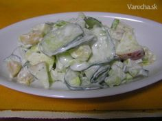 Šalát s kyslou smotanou (fotorecept) Potato Salad, Potatoes, Chicken, Meat, Ethnic Recipes, Food, Potato, Hoods, Meals