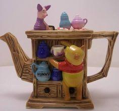 Limited Edition Winnie the Pooh Tea Pot Teapot Cookies, Teapots Unique, Cafetiere, Tea Pot Set, Teapots And Cups, My Cup Of Tea, Chocolate Pots, Tea Time, Tea Party