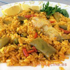 Con esta receta de arroz con pollo y verduras puede prepararse también un arroz de conejo y otras carnes, como carnes de costilla o de lomo de cerdo,