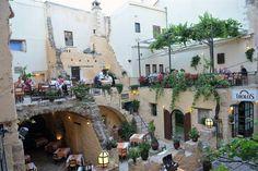 Χανιά - Tholos Greece, Dolores Park, Street View, Mansions, House Styles, Travel, Cyprus, Greece Country, Viajes