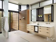 18 Covetable Indoor-Outdoor Showers and Baths | LuxeDaily - Design Insight from the Editors of Luxe Interiors + Design