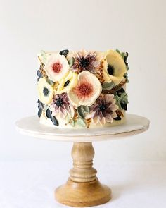 Creative hand-painted cake, you will love it - Lilidiy Gorgeous Cakes, Pretty Cakes, Cute Cakes, Amazing Cakes, Beautiful Birthday Cakes, Fancy Cakes, Mini Cakes, Cupcake Cakes, Beaux Desserts