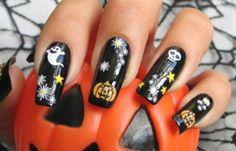 Uñas de Halloween: diseños, decoraciones, imágenes, uñas de halloween fantasma calabaza.   #uñasdehalloween #nailshalloween #uñashalloween