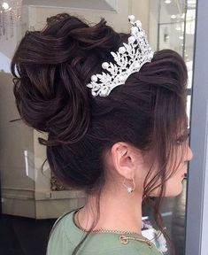 quinceanera hairstyles - Bridal Hairstyles Inspiration Long wedding updos and hairstyles from Elstile weddinghairstyle weddingup br Quince Hairstyles, Permed Hairstyles, Wedding Hairstyles For Long Hair, Wedding Hair And Makeup, Wedding Updo, Bride Hairstyles, Trendy Hairstyles, Hairstyle Ideas, Ciara Hairstyles