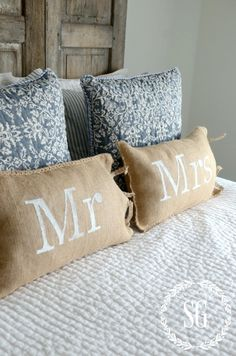 NO SEW MR AND MRS BURLAP PILLOWS