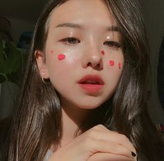 ulzzang girl girls woman women aesthetic korean japanese chinese beauty pretty beautiful lifestyle ethereal beauty girls east asian minimalistic grunge soft pastel light cute adorable 울짱 여자 r o s i e Ulzzang Korean Girl, Cute Korean Girl, Asian Girl, Aesthetic Makeup, Aesthetic Girl, Korean Makeup, Korean Beauty, Flower Makeup, Uzzlang Girl