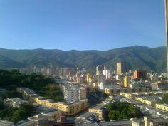 Mi Ávila... soleada y sin una sola nube... con sus hermosos tonos verdes y azules... SIMPLEMENTE BELLA!!! / My Avila ... sunny without a cloud ... with its beautiful greens and blues ... SIMPLY BEAUTIFUL!!!!