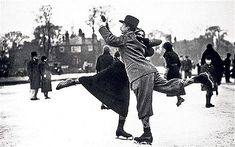 A couple dancing on ice-skates on Whitestone Pond, Hampstead, London, Vintage Christmas Photos, Vintage Photos, Vintage Cards, Christmas Pics, Vintage Photographs, Merry Christmas, Ice Rink, Ice Skaters, Ice Dance