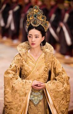 Korean Traditional Dress, Traditional Fashion, Traditional Dresses, Light Up Dresses, Princess Outfits, Chinese Clothing, Historical Costume, Costumes For Women, Asian Fashion