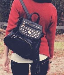 Sporty Spice. Streetstyle. Fashion. Inspiration. Clothes. Get inspired. Musthaves. Trending. On trend. 2014. Spot & Shop. White. Lovely. Fashionstyle. Style. Look. Get the look. Steal the look. Backpack. Rugzak. Studs. Studded bag. Bag.