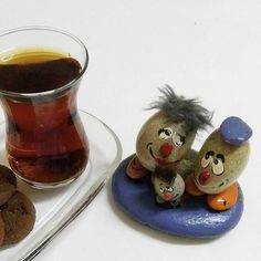 Kaç şekerli içersen iç,yalnız içiyorsan hep acıdır tadı onun💘#çay #yalnızlık #stoneart #taşboyama #rockpainting