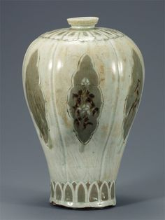 [Goryeo Dynasty (12th century)] Maebyeong, Vase, White Porcelain with Inlaid Peony and Willow Design