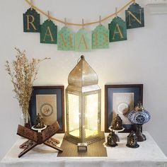 Beautiful Ramadan decoration to welcome the blessed month. Love the Ramadan banner from With A Spin. Beautiful Ramadan decoration to welcome the blessed month. Love the Ramadan banner from With A Spin. Eid Ramadan, Ramadan Desserts, Ramadan Quran, Iftar Party, Eid Party, Eid Crafts, Ramadan Crafts, Islamic Decor, Islamic Art