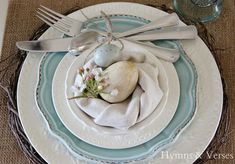 diy napkin folding A spring bird house tablescape featuring a bird house, nests, nest chargers, nest napkin fold, and faux bird nests and eggs. Easter Table Settings, Easter Table Decorations, Easter Decor, Easter Centerpiece, Easter Ideas, Easter Crafts, Bunny Crafts, Easter Gift, Easter Dinner