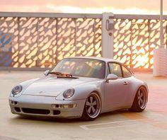 Porsche 911 993 Carrera - https://www.luxury.guugles.com/porsche-911-993-carrera-3/