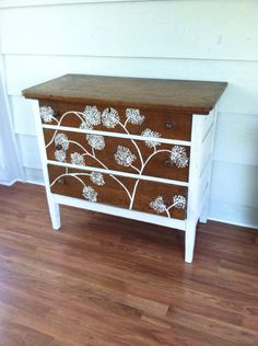 White stencilled and wood dresser Upcycled Furniture Before And After, Repurposed Furniture, Vintage Furniture, Paint Furniture, Furniture Projects, Furniture Makeover, Chest Furniture, Furniture Refinishing, Stencil Dresser