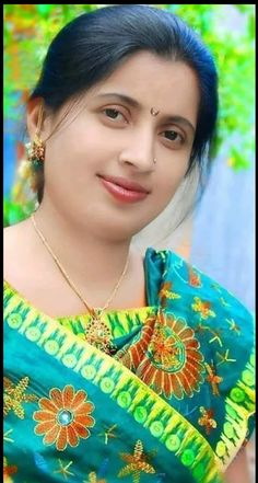 Great Tips For People Who Want Perfect Skin Beautiful Girl In India, Beautiful Women Over 40, Beautiful Girl Image, Most Beautiful Indian Actress, Beautiful Saree, Beautiful Actresses, Cute Beauty, Beauty Full Girl, Beauty Women